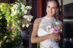Foto de Valerio Luna - http://www.bodas.net/articulos/vestidos-de-novia-con-escote-halter--c2311