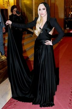 Lady Gaga in Versace     Lady Gaga in Versace, Versace Front Row