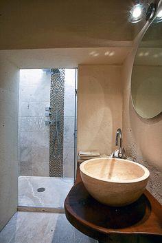 Piatto doccia in Pietra di Rapolano modello EDGE    #bagno #doccia #pietredirapolano