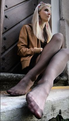 Foot Fetish Dating http://www.footfetish.hot-adult-dating.com #foot #feet #dating