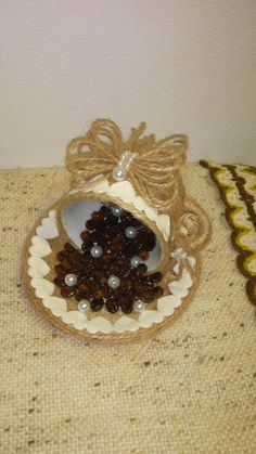 Cd Crafts, Jute Crafts, Crafts To Make, Arts And Crafts, Coffee Bean Art, Floating Tea Cup, Flower Pot Crafts, Coffee Crafts, Thrifty Decor