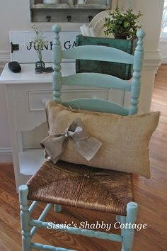 Sissie's Shabby Cottage - Ladderback Chalk paint and burlap