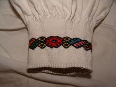 Cross Stitch, Beanie, Hats, Fashion, Moda, Punto De Cruz, Hat, Fashion Styles, Seed Stitch