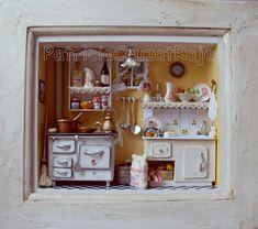 Cuadro cocina con Miniaturas, protegida con vidrio Sólo por Encargo          Cocina vertical negra fondo azul. Cuadro protegid...