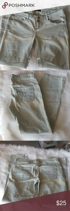 Light colored Jeans by Z.Cavaricci size 13R Light colored jeans with slight stretch. Z. Cavaricci Jeans Boot Cut