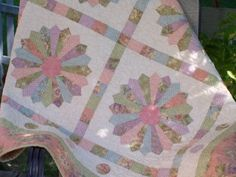 easy Dresden plate tutorial -- love how this quilt block version is in squares