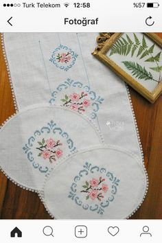 This Pin was discovered by Fat Cross Stitch Borders, Modern Cross Stitch, Cross Stitch Patterns, Bargello, Needle And Thread, Bohemian Rug, Diy And Crafts, Embroidery Ideas, Farmhouse Rugs