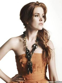 Ilsa Fisher - another beautiful redhead. Great hair with a fun chunky necklace and dress. Isla Fisher, Lord, Beautiful Redhead, Beautiful Women, Simply Beautiful, Amazing Women, Beautiful People, Beautiful Pictures, Australian Models