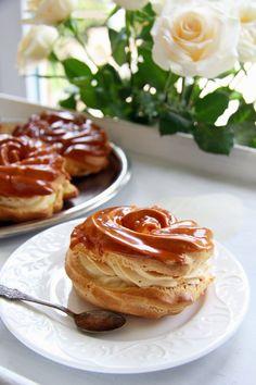 Cherries on Top: Větrníky Deluxe Czech Desserts, Sweet Desserts, Sweet Recipes, Slovak Recipes, Czech Recipes, Brownie Recipes, Cake Recipes, Sweet Cakes, Desert Recipes