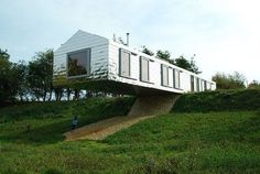 Building for Rising Sea lLevels; off-grid Bamboo