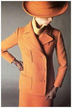 Wilhelmina Cooper  in suit by Nina Ricci, photo by F.C. Gundlach for 'Annabelle', Paris, 1967  F.C. Gundlach