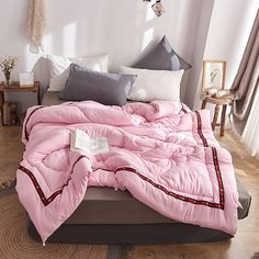 Quilt Filling Mulberry Silk Comforter Summer Winter //Price: $76.67 & FREE Shipping // #jewelry #styles #eyes Pink Comforter, Duvet, Silk Blanket, Winter Quilts, Summer Winter, Mulberry Silk, Comforters, Bed, Interior