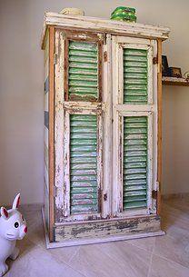Closet made with reclaimed wood - By Eugene Maduro #LiquidGoldSalvagedWood