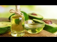 Amazing Avocado Oil: 6 Surprisingly Simple Health and Beauty Hacks. We've long known that avocados are way more than just an ingredient in guacamole, but now health and beauty gurus have uncovered the benefits of avocado oil, a monounsaturated fat pressed Frizz Pelo, How To Clear Pimples, Avocado Health Benefits, Beauty Tips For Teens, Oil Benefits, Good Fats, Avocado Oil, Hair Health, Hair Oil
