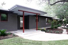 Trendy home exterior makeover modern entrance Ideas Ranch Exterior, House Paint Exterior, Exterior Remodel, Exterior House Colors, Modern Exterior, Exterior Design, Cafe Exterior, Bungalow Exterior, Mid Century Exterior