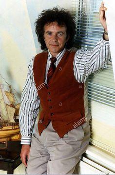 David Essex, 80s Pop, Rock Artists, Pop Rocks, Vest, Music, Fashion, Musica, Moda