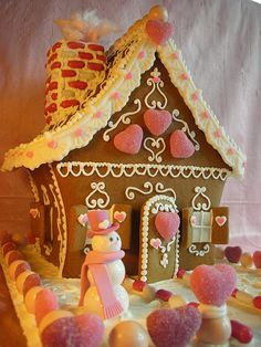 With Love & Confection: Valentine Gingerbread House by With Love & Confection on We Heart It Cool Gingerbread Houses, Gingerbread House Designs, Gingerbread Village, Christmas Gingerbread House, Christmas Love, Christmas Treats, Christmas Baking, Gingerbread Cookies, Christmas Cookies