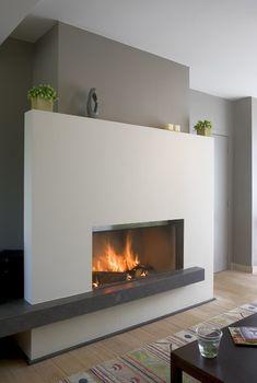 M-Design liftdeurhaard Luna Gold+ Stucco Fireplace, Modern Fireplace, Fireplace Mantle, Living Room With Fireplace, Fireplace Surrounds, Fireplace Design, Living Room Decor, Fireplaces, Fireplace Ideas