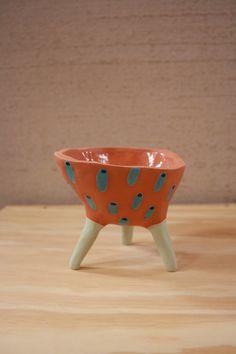 Leggy Planter #ceramic #pottery #pot #planter #clay #illustration #design #homedecor #succulent #handmade #etsy #pinchpot #tubeworms #terracotta