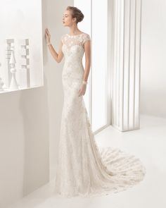 Guipure and Chantilly lace dress, in ivory.