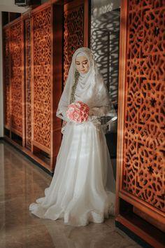 Prosesi Akad Nikah Kebaya Muslimah Tyas & Irsyad BY LAKSMI 0817 0370 7670 by LAKSMI - Kebaya Muslimah & Islamic Bride - 003