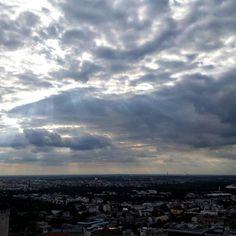 Über den Dächern von Leipzig. Unterwegs mit der @zese_robra #leipzig #hypezig #iloveleipzig