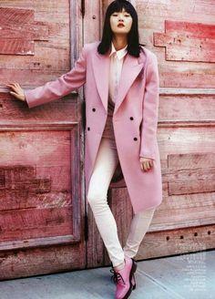 Look monocromático rosa pastel