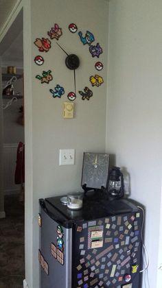 Pokemon Bead Art Wall Clock - an eevee evolution clock for evie's room. Pokemon Bead Art Wall Clock – an eevee evolution clock for evie's room…uh yes! Pyssla Pokemon, Pokemon Craft, Pokemon Decor, Pokemon Diys, Hama Beads Pokemon, Pokemon Eevee, Pikachu, Nerd Room, Gamer Room