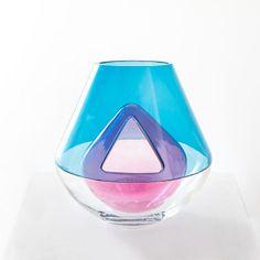Vase en verre soufflé bouche Primaire, Les M, Carpenters workshop gallery   blue pink purple glass design