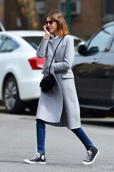 *** UK ONLY *** *** MAIL ONLINE OUT ***135011, Alexa Chung out in Soho, New York City. New York, New York - Wednesday April 01, 2015. PHOTOGRAPH BY Pacific Coast News / Barcroft Media UK Office, London. T +44 845 370 2233 W www.barcroftmedia.com USA Office, New York City. T +1 212 796 2458 W www.barcroftusa.com Indian Office, Delhi. T +91 11 4053 2429 W www.barcroftindia.com