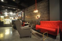 Nasza kawiarnia #Gdynia #tcfgdynia #coffee #cafe #design #couch #red #poland #kanapa #fotel