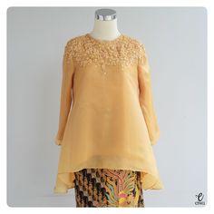 simple long sleeve lace top, kebaya modern indonesia brokat http://www.eiwaonline.com baju bodo bajubodo organdi organdy organza applique tulle cornelly beading