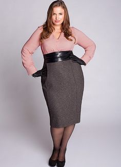 Plus size business casual outfits that I like. Look on this website. Designer Plus Size Clothing, Plus Size Designers, Plus Size Womens Clothing, Clothes For Women, Tall Clothing, Curvy Outfits, Classy Outfits, Stylish Outfits, Curvy Fashion
