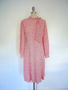 Vintage Day Dress / Red Apples Novelty Print / Adele Simpson / 1970s 1980s