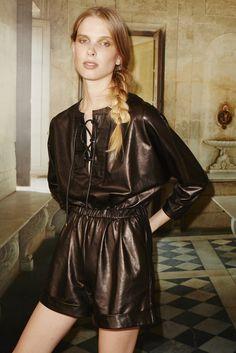 10 Crosby Derek Lam New York - Spring Summer 2016 Ready-To-Wear - Shows - Vogue. Fashion Line, Fashion News, Runway Fashion, Fashion Show, Women's Fashion, Fashion Week 2016, Spring Fashion, Vogue, New York