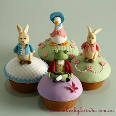 Beatrix Potter cupcakes, LOVES THIS! Just love Beatrix Potter and they are so pretty! Party Fiesta, Festa Party, Easter Cupcakes, Cute Cupcakes, Themed Cupcakes, Animal Cupcakes, Party Cupcakes, Mini Cakes, Cupcake Cakes