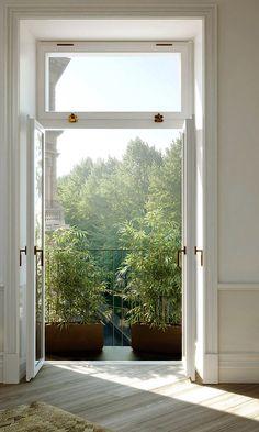Share-Design-Classically-Modern-Swedish-Apartment
