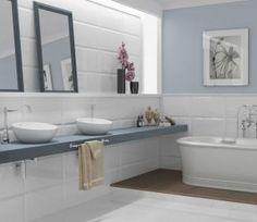 Já imaginou relaxar em uma deliciosa sala de banho? Este novo conceito de banheiro vem ganhando cada vez mais espaços nas residências, com um decor que valoriza a amplitude e o bem-estar através do uso de cores claras e elementos naturais. Neste projeto, o revestimento cerâmico Polar da Linha Design fez a diferença nas paredes. #incefra #saladebanho #banheiros #reforma #construir   Ref. RD-34540 | 32x56cm | Brilhante