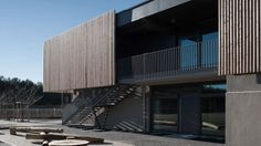 Image 1 of 12 from gallery of Early Excellence Centre Munich / Boesel Benkert Hohberg Architekten. Photograph by Henning Koepke Timber Architecture, Industrial Architecture, Architecture Details, Kindergarten Design, Timber Cladding, Munich, Building, Gallery, Case Study