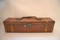 Huntley & Palmers Suitcase Trunk Tin