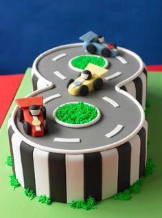 Ci vuole gusto per seguire una gara di automobilismo….