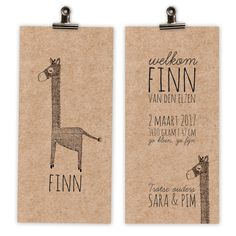 Het kaartje 'Finn' is schattig door de handgetekende illustratie van de giraf. Maar ook stoer de de papierkeuze. Je kan er natuurlijk ook voor kiezen om dit kaartje op structuurpapier te laten drukken. Neem een kijkje op www.mijksje-geboortekaartjes.nl en volg Mijksje op Facebook of Instagram (@mijksje_illustrations)... Mijksje | ontwerp | kraft | kraftpapier | design | illustratie | geboortekaartje | geboortekaart | jongen | babyboy | birthannouncement | giraffe | handgetekend | uniek | hip