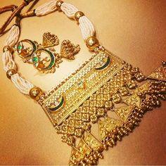 Twist on a traditional Aad - imitation jewellery, garnet jewelry, jewellery tops *ad Royal Jewelry, India Jewelry, Gold Jewelry, Jewelry Sets, Jewelery, Garnet Jewelry, Beaded Jewelry, Rajputi Jewellery, Gold Jewellery Design