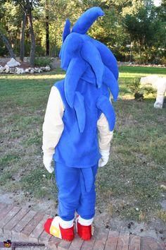 Sonic the Hedgehog - Halloween Costume Contest Sonic The Hedgehog Halloween Costume, Sonic Costume, Sonic The Hedgehog Cake, Sonic Cake, High Quality Halloween Costumes, Diy Halloween Costumes For Kids, Halloween Costume Contest, Video Game Costumes, Boy Costumes