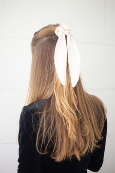 Cute Hairstyles For Medium Hair, Heatless Hairstyles, Easy Hairstyles For Medium Hair, Teen Hairstyles, Elegant Hairstyles, Scarf Hairstyles, Medium Hair Styles, Hairstyles For Picture Day, Simple Hairstyles For School