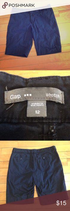 Gap Bermuda shorts Black Bermuda shorts by Gap size 12. Inseam 10 inches. 98% cotton, 2% spandex. GAP Shorts Bermudas