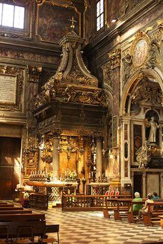 The-Basilica-della-Santissima-Annunziata-Firenze