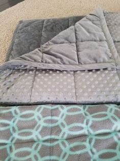 Astounding Sew A Weighted Blanket Ideas. Enchanting Sew A Weighted Blanket Ideas. Weighted Blanket Tutorial, Making A Weighted Blanket, Sewing Hacks, Sewing Tutorials, Sewing Tips, Sewing Ideas, Sewing Crafts, Sewing Lessons, Leftover Fabric
