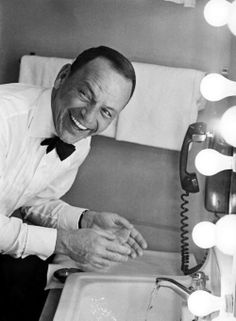 Frank Sinatra ♥♥♥ my favorite man (: (besides george strait and jordan of course haha)