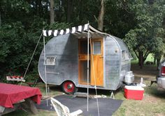 Okay... way cute! This came from a blog about an #Airstream Rally! Sweet! From @TinyTrailer